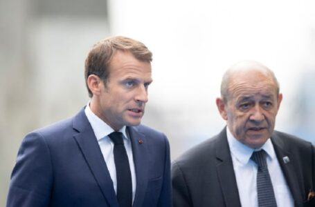 Guinée: La France avance avec prudence sur des braises