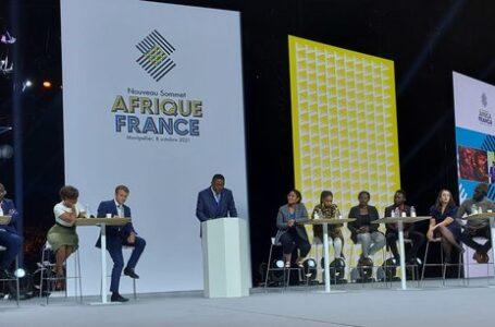 Sommet Afrique-France : Emmanuel Macron bousculé par des échanges musclés avec la jeunesse africaine